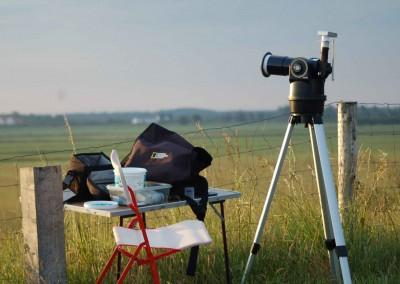 Den anvendte kikkert er en MEADE ETX-70AT med 25 mm okular og 2xBarlow. Fotoapparatet er er almindeligt Canon IXUS 70, 7.1 Megapixels, anbragt foran okularet på et kort forlængerrør af papir. Billederne er optaget med lidt zoom på cameraet foruden kikkertens forstørrelse.